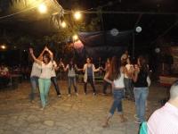 Ατελείωτος χορός από τη νεολαία στη λαϊκή βραδιά (2)