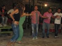 Ατελείωτος χορός από τη νεολαία στη λαϊκή βραδιά (3)
